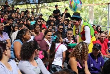 Mazatlecos celebran el Dia de la Familia