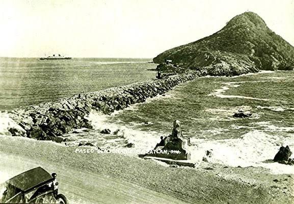 Faro de Mazatlán La Isla