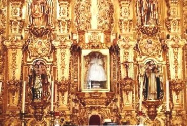 Vestuario de la Virgen del Rosario