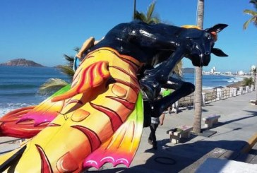 Y los Monones del Carnaval empiezan a invadir el Malecón de Mazatlán