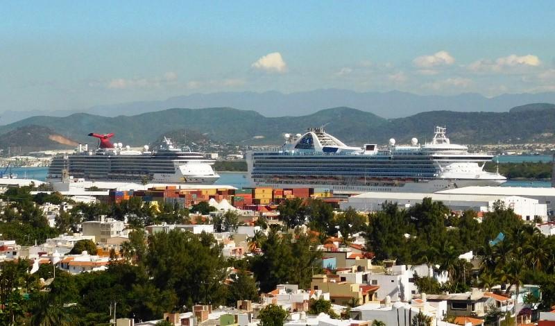 Resultado de imagen de varios cruceros en mazatlan