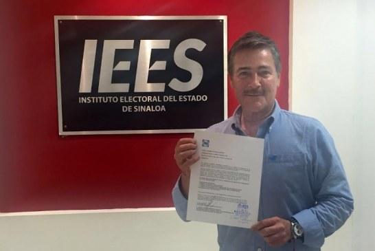 Salvador Reynosa Garzón es candidato a la presidencia municipal de Mazatlán.