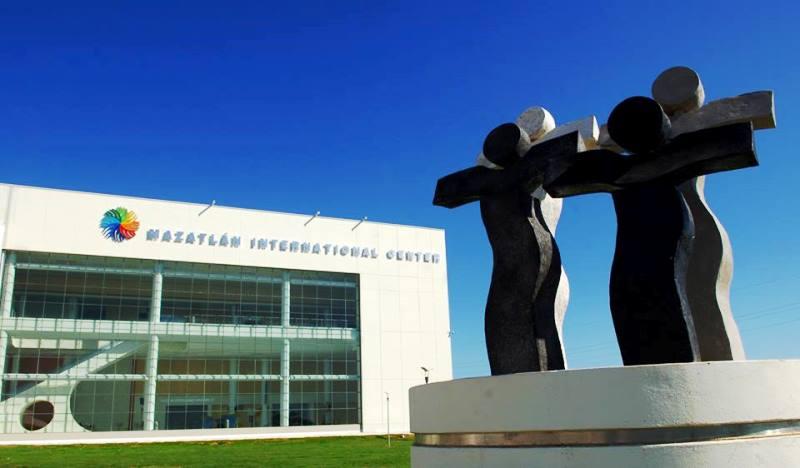 Mazatlán Es... para Placer y Negocios