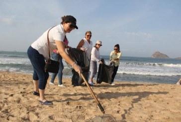Realiza Sectur la tercera jornada  de limpieza de playas en Mazatlán