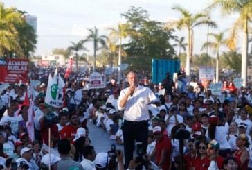 Quirino cerró Campaña ante una  Verdadera Multitud de Mochitenses