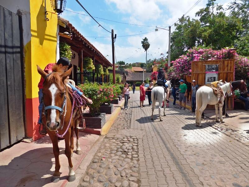 Turismo Rural en el Mundo, México y Sinaloa ejemplo El Quelite
