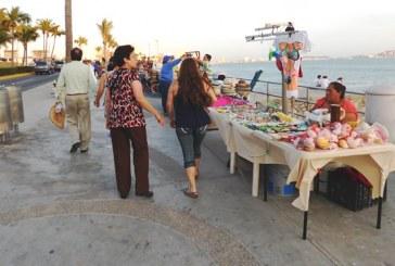 Canaco Sur Sinaloa llama a regular al comercio informal esta temporada de verano