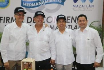 Alcalde Felton realiza gira de trabajo en Pico Rivera California USA