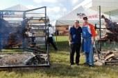<center>Dante Ferrero impone record mundial en Mazatlán al asar dos vacas al mismo tiempo</center>