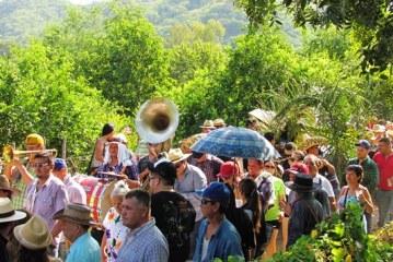 <center>La Taspana hace vibrar a San Javier cientos Taspanan y Bailan</center>