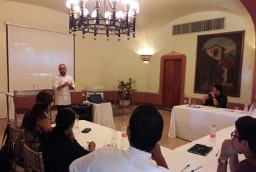 Xano Saguer imparte taller de postres en Mazatlán