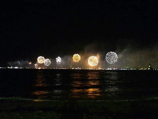 Tal como lo prometió José Ramón Manguar Sánchez, presidente de la asociación de hoteles tres islas de Mazatlán y, creador de este sensacional evento de fuegos pirotécnicos: la 10ma., edición del Festival de la Luz Mazatlán resultó sencillamente espectacular.