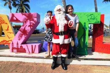 <center>Santa de Nuevo pasará Navidad en Mazatlán 2016</center>