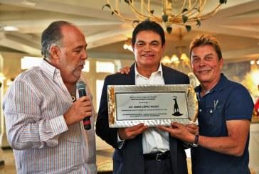 Reconocen Empresarios Turísticos de Mazatlán a Mario López Valdez