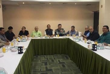Se reúne el Alcalde Fernando Pucheta con líderes hoteleros de Mazatlán
