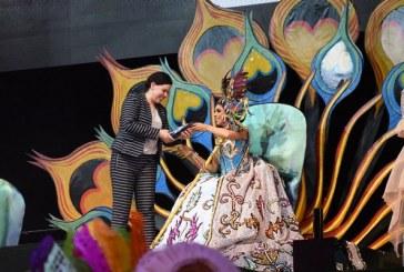 <center>Rosina I es Coronada como Reina de los Juegos Florales del Carnaval de Mazatlán 2017</center>