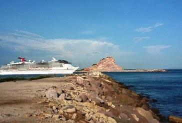 <center>Mazatlán recibirá más cruceros en 2018: Marco Antonio García Castro</center>