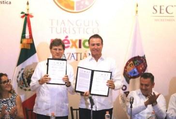 """<center>Firman Convenio: """"Tianguis Turístico Mazatlán 2018""""</center>"""