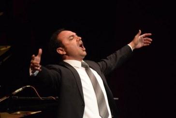 Adán Pérez en Concierto en Apoyo a Cáritas Mazatlán