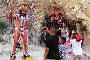 <center>El Diablo Veranea en Mazatlán y la Zona Trópico: Y hace de las suyas</center>