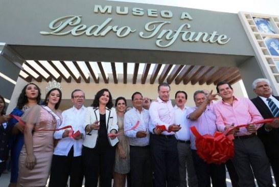 <center>Inaugura Quirino Ordaz el Museo a Pedro Infante, en Guamúchil</center>