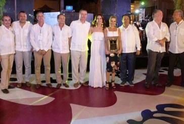 """<center>Entregan los codiciados premios """"Golden Deer"""" en el marco de la XXIII Fiesta Amigos de Mazatlán</center>"""
