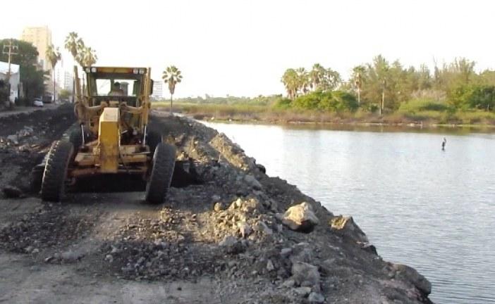 <center>Freno parcial a la devastación en Laguna del Camarón</center>
