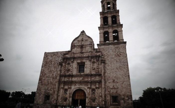 <center>El Rosario Pueblo Mágico mejora su imágen urbana</center>