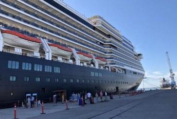 Llega a Mazatlán con 2,757 turistas