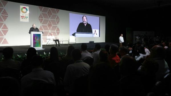 <center>Steve Wozniak en Mazatlán</center>