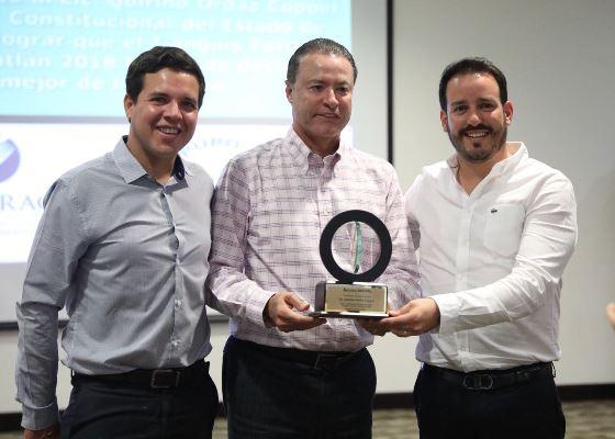 Canirac Entrega de Reconocimientoa Gobernador de Sinaloa Quirino Ordaz Coppel por Tianguis Turístico 2018 4