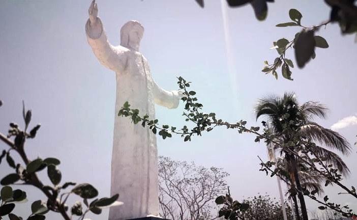 <center>Celebran el 13vo Aniversario del Cristo de la Mesa en San Ignacio de Loyola</center>
