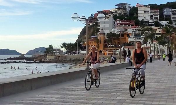 Aùn es Tiempo Verano Mazatlàn 2018 Paeos en Bici Malecón