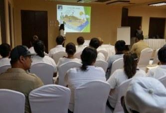 Concientiza JUMAPAM a empleados del Hotel Playa