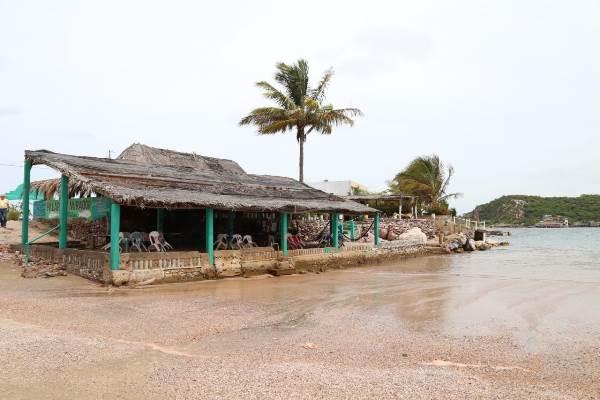 Buscan elevar la calidad de los servicios en la Isla de la Piedra 2