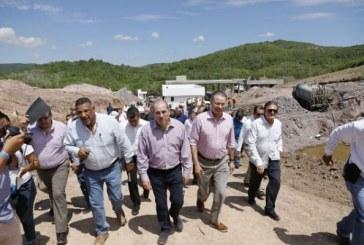 Supervisan obras de agua y drenaje