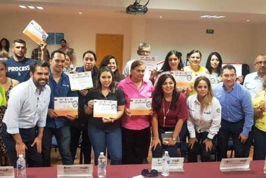 <center>Reconocen a Empresarios y Emprendedores de la Incubadora Sinaloa</center>