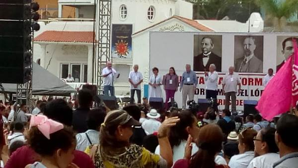 AMLO en Mazatlán Olas Altas Septiembre 2018 Gira Agradecimiento 5