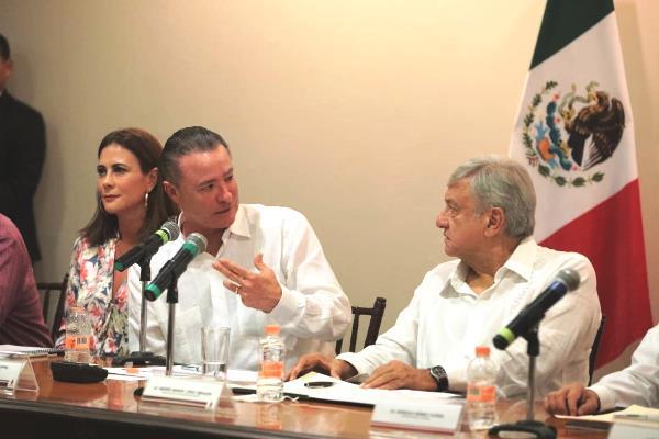 Amlo y Quirino Ordaz Primera Reunión Sinaloa 2018 (5)