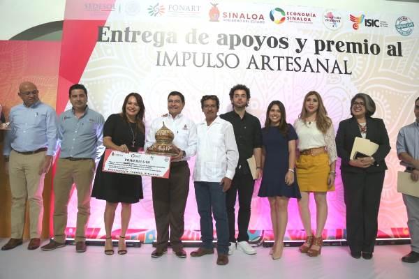 Entregan el Premio Impulso Artesanal Puro Sinaloa 2018 Inés Valdespino 1