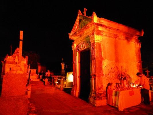 Panteones de Mazatlán con Hitorias Enterradas Mazatlánn Interactivo 2018 B (2)