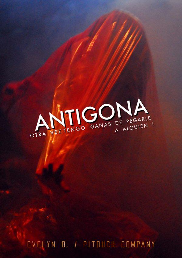Pitouch Company - Antígona (1)