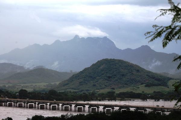 Rio Baluarte en El Rosario Inundación Willa 2018