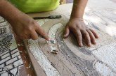 Xilografía en madera con aplanadora