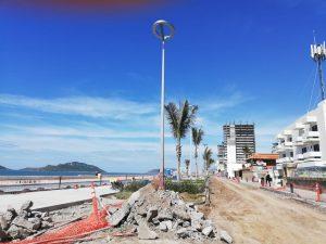 obra de pavimentación con concreto hidráulico y sustitución de drenaje en la Avenida del Mar Mazatlán