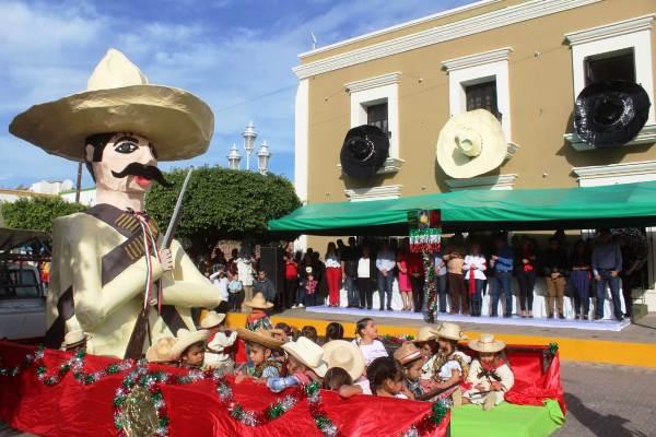 Desfile 20 Noviembre San Ignacio de Loyola Pueblo Señorial Zona Trópico Sinalao MMéxico 2018
