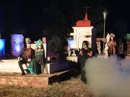 Las Ánimas Vuelven al Peteón Español de El Rosario Pueblo Mágico Sinaloa México 1