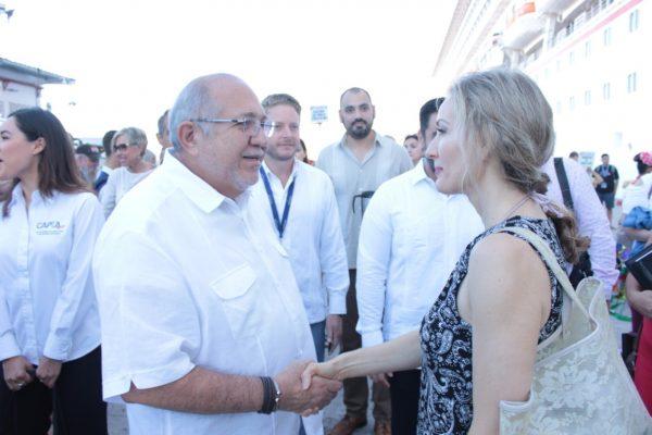 Recibe el Alcalde de Mazatlán Benítez Torres Crucero Nov 2018