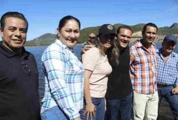 Liberan alevines en la presa El Sabinal