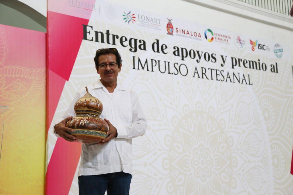 Entrega de apyopo y premios a ganadores Impulso Artesanal Puro Sinaloa 2018